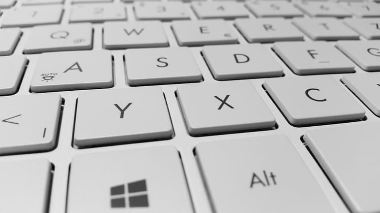 cara mengaktifkan keyboard laptop yang terkunci